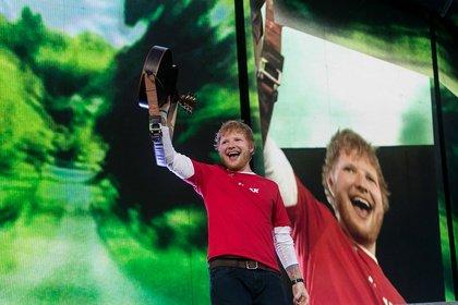 Am Ende des Regenbogens steht ein Brite mit Gitarre - Ed Sheeran bringt den Hockenheimring einzig mit Loop und Gitarre zum Beben