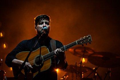Atmosphärisch - Mumford & Sons: Fotos der Folk-Rocker live auf dem Hurricane 2019