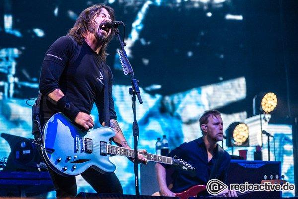 Zuckersüßer kleiner Rockstar - Foo Fighters rocken live mit Sohn von Anthrax-Gitarrist Scott Ian