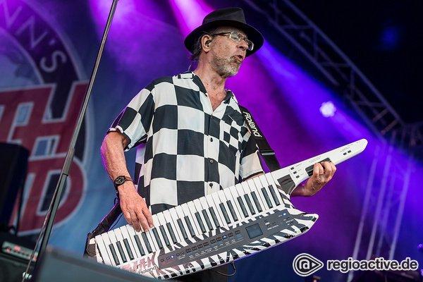 Unermüdlich - Fotos von Manfred Mann's Earth Band live beim Burgsommer Neuleiningen