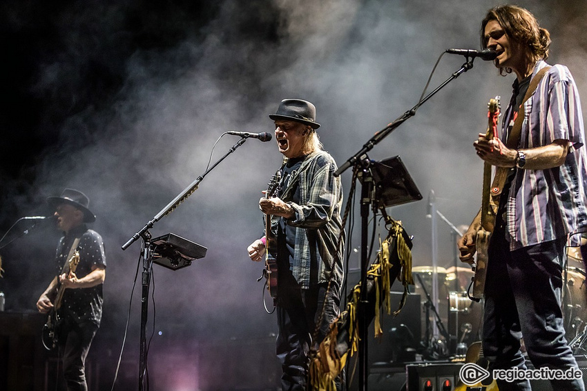 Neil Young + Promise of the Real (live in Mannheim 2019)