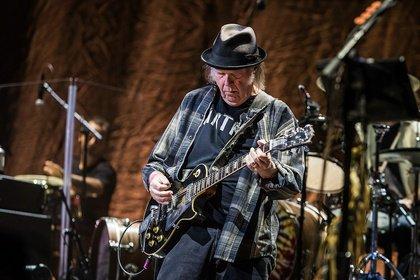 Überwältigend - Bilder von Neil Young + Promise of the Real live in der SAP Arena Mannheim