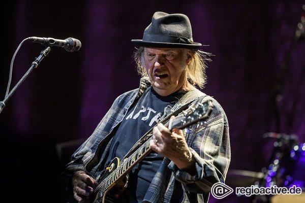 """Einblicke - Neil Young: Trailer für neue Dokumentation """"Mountaintop"""" online"""