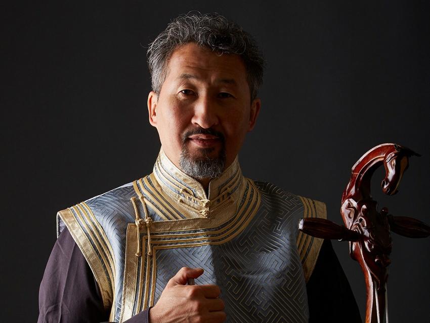 Der mongolische Kehlkopfsänger Enkhjargal Dandarvaanchig