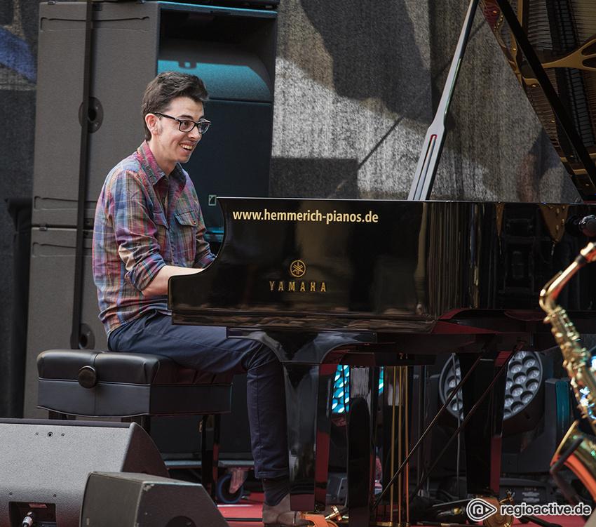 Adrien Brandeis (live in Stuttgart, 2019)