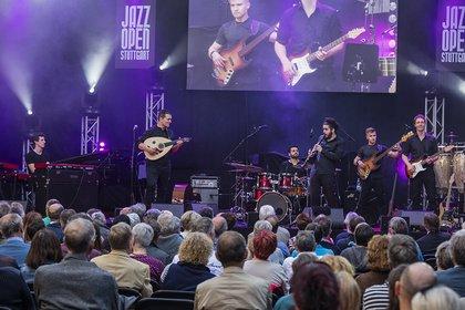 Orientalische Klänge aus Mannheim - Pulse Project bei den Jazzopen Stuttgart: Live-Bilder der Opener von Sing the Truth