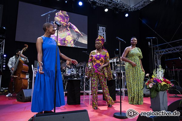 Mit viel Seele - Sing the Truth: Bilder von Angelique Kidjo, Cécile Salvant, Lizz Wright live in Stuttgart