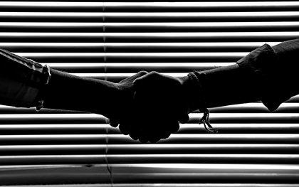 Wer bekommt wann was und warum? - Festgage, Door-Deal, After Break und Co: Typische Deals für Bands im Überblick