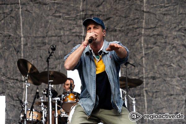 Eins plus drei - Dendemann: Fotos des Rappers live beim Deichbrand Festival 2019