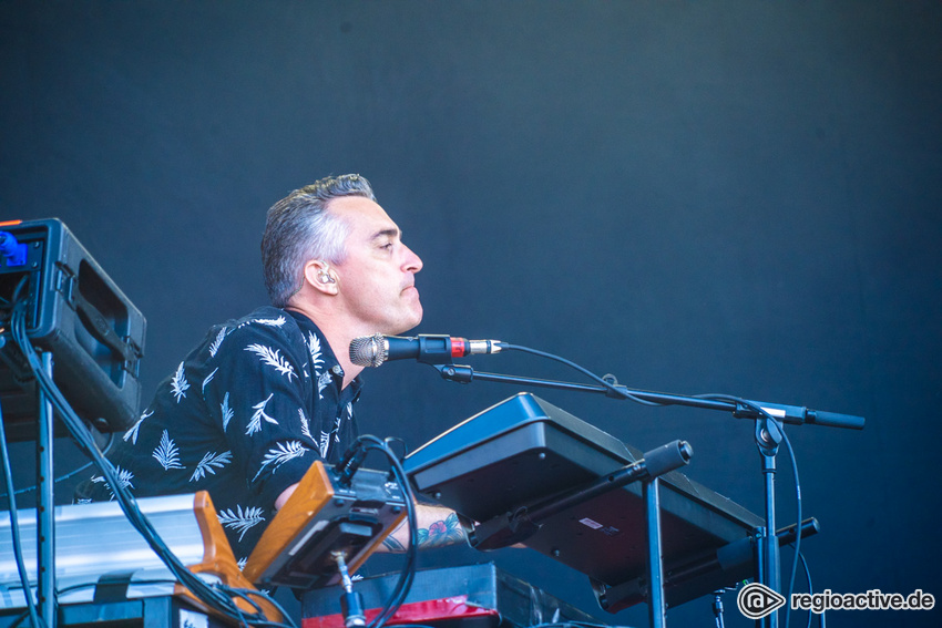 Johnossi (live beim Deichbrand Festival 2019)