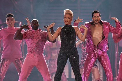 Einzigartig - P!NK: Bilder des Superstars live in der Commerzbank Arena Frankfurt