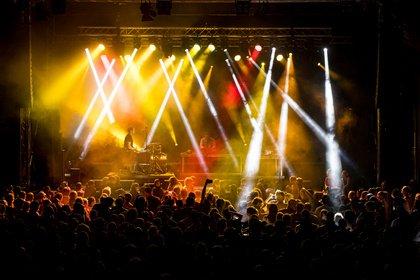 Heimspiel-Rave - Elektro: Bilder von Brandt Brauer Frick live beim Heimspiel Knyphausen 2019