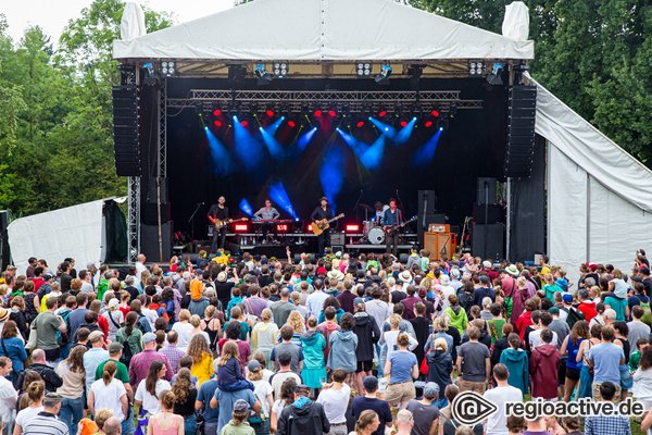 Mit Wein daheim - Heimspiel Knyphausen: Streaming-Tickets und Wein-Festival-Pakete sind jetzt verfügbar