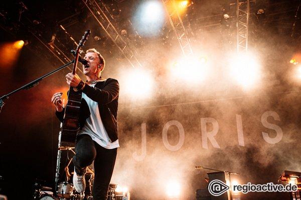 Mit Hingabe - Dynamisch: Bilder von Joris live beim Sound of the Forest Festival 2019