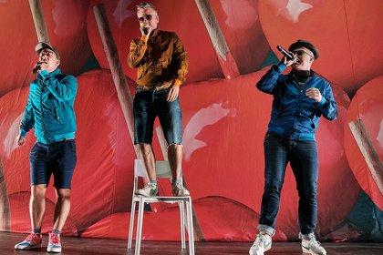 Schwule Mädchen im Einsatz - Hip-Hop! Fettes Brot live beim Da Capo Festival in Alzey