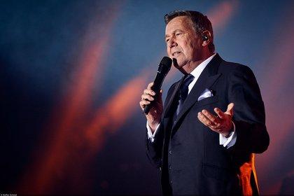 Eine Fülle von Absagen - Roland Kaiser verschiebt Hallen- und Open-Konzerte, Kaisermania