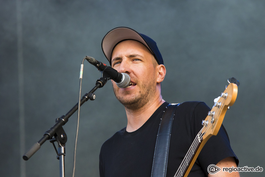 Montreal (live auf dem Highfield Festival, 2019)