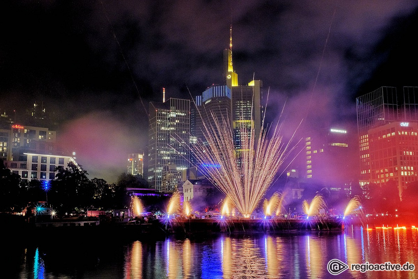 Großes Musikfeuerwerk beim Museumsuferfest Frankfurt 2019