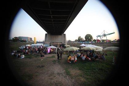 Würdiges Jubiläum - Bunt und sonnig: Impressionen vom Freitag beim 10. Mannheimer Brückenaward