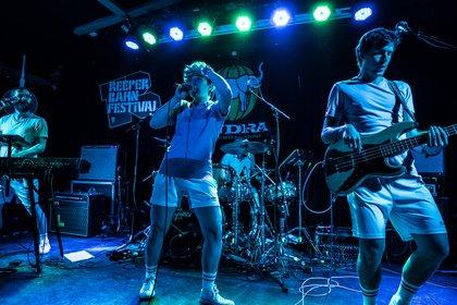 Tanzbarer Synthie-Pop - Meet the Mannheimers: Fotos von ok.danke.tschüss auf dem Reeperbahn Festival 2019