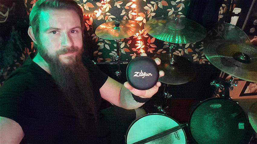 Thomas Brand von Candero gewinnt Zildjian In-Ear-Kopfhörer für Drummer!