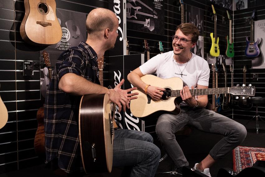 Guitar Summit 2019 in Mannheim: Eine charmante Welt voller Gitarren, Bässe, Amps, Pedale und mehr