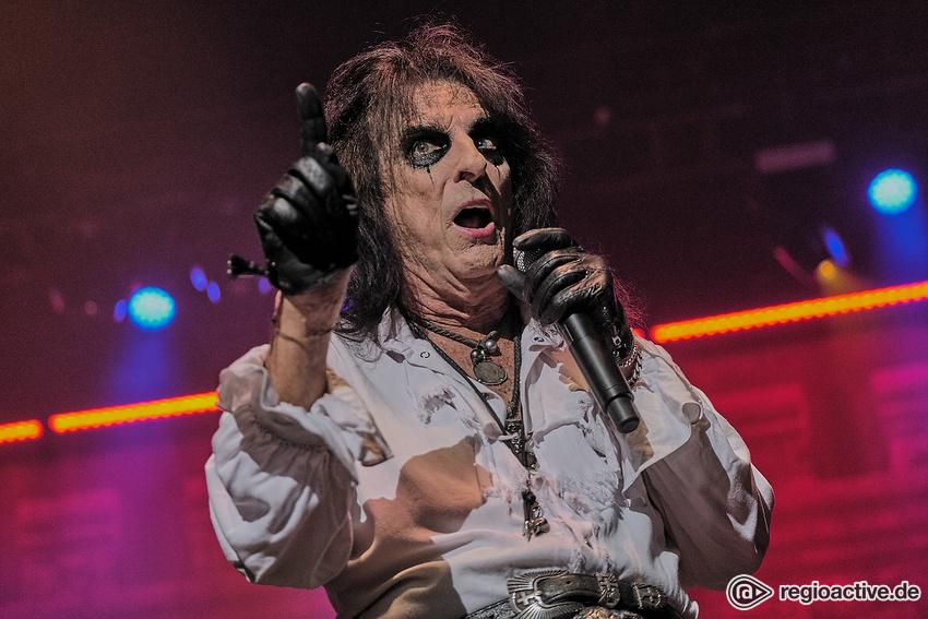 Immer noch König der Alpträume - Alice Cooper holt den Schock-Rock in die Mannheimer SAP Arena