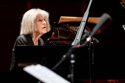 Trio und Quartett - Fotos des Enjoy Jazz Eröffnungskonzerts 2019 mit Carla Bley in Ludwigshafen