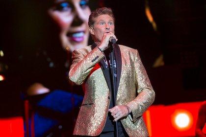 Immer noch auf der Suche nach Freiheit - David Hasselhoff live in Frankfurt: Bericht eines skurrilen, selbstironischen Konzerts