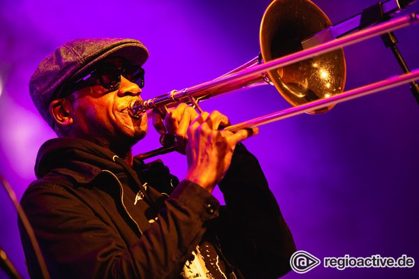 Kongenial - Fotos von Ryan Porter & Kamasi Washington live bei Enjoy Jazz in Mannheim