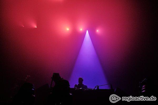 Warm-up - James Holroyd : Fotos des Tour-DJs von The Chemical Brothers live in Frankfurt