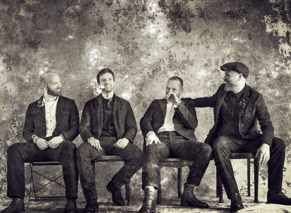 From sunrise to sunset - Coldplay spielen neues Album ''Everyday Life'' live in Jordanien