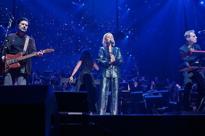 Aus Cyndi wird Leslie - The Hooters & Leslie Clio: Fotos des Duos live bei der Night of the Proms 2019 in Mannheim