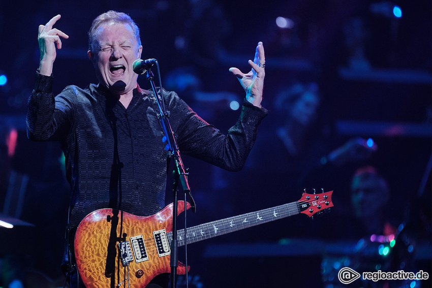 John Miles (live bei Night Of The Proms in Mannheim 2019)