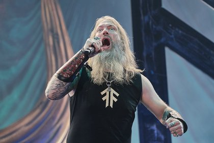 Berserker auf globalem Siegeszug - So wüten Wikinger: Live-Bilder von Amon Amarth in Frankfurt
