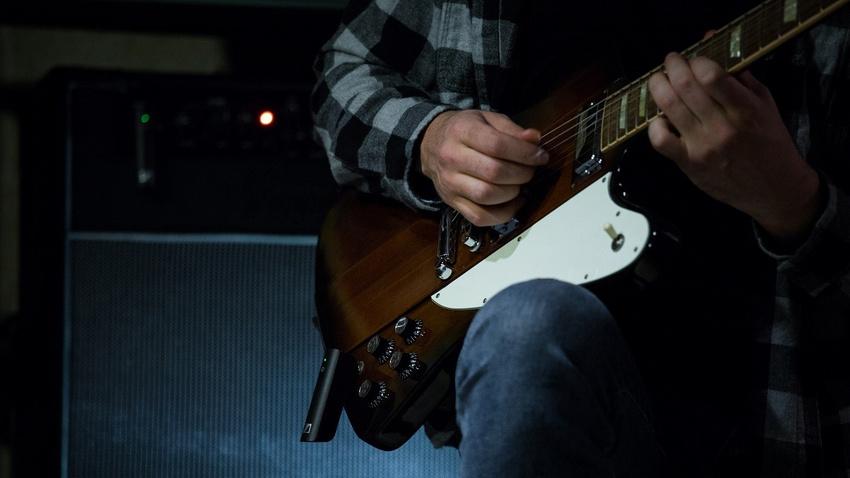 Für E-Gitarristen/Bassisten bieten sich das XSW-D Pedalboard Set oder das XSW-D Instrument Base Set an