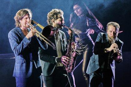 Dance und Swing - Parov Stelar feiern in Frankfurt eine berauschende Partynacht