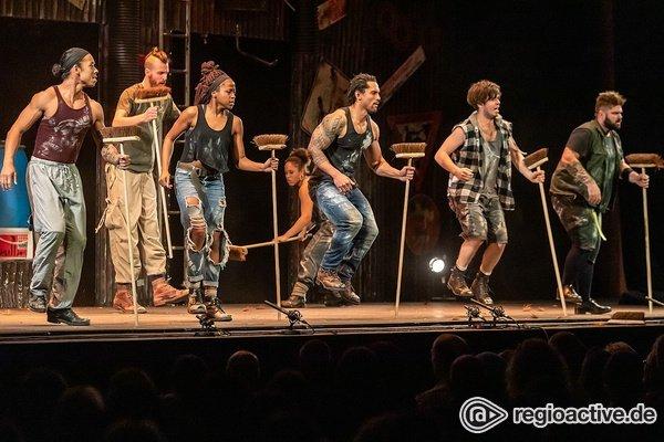 Deutschland-Premieren - Voller Energie: Bilder von Stomp live im Rosengarten Mannheim