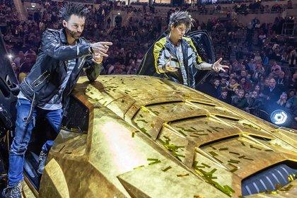 Magier und Auto - Mit Lambo: Bilder der Ehrlich Brothers live in der SAP Arena Mannheim