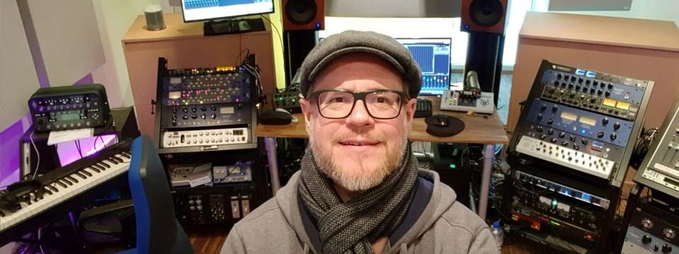 Jetzt gewinnen: Jan Kalt vom Tonstudio Schraubfabrik verleiht euren Aufnahmen einen professionellen Sound!