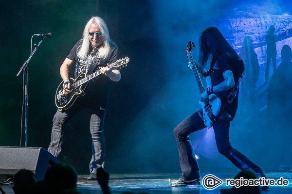 Ausgelassen - Uriah Heep: Fotos von der Music & Stories Tour 2020 live in Frankfurt