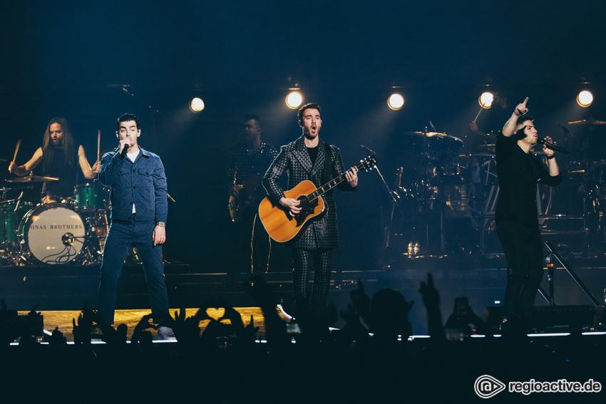 (K)eine Teenie-Band - Die Jonas Brothers präsentieren sich in Köln als exzellente Entertainer