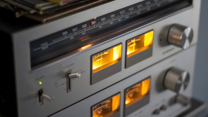 Zum Welttag des Radios: Popularität des Rundfunks in Deutschland ungebrochen