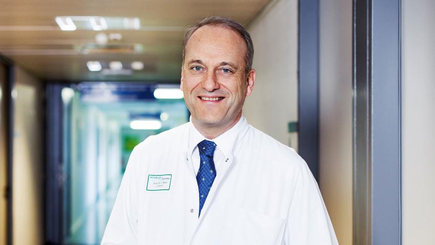Unfall- und Handchirurg Prof. Jochen Blum über Krankheitsbilder, Therapien und Prävention bei Musikern