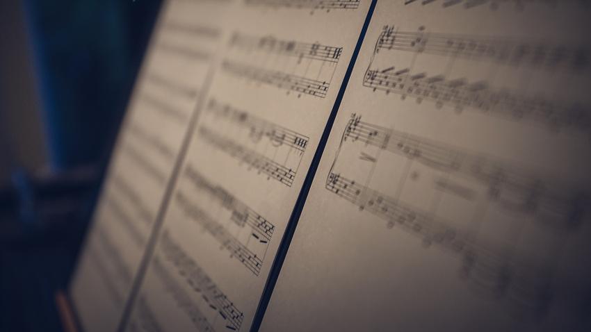 Anwalt lässt Software alle möglichen (Pop-)Melodien schreiben und veröffentlicht diese gemeinfrei