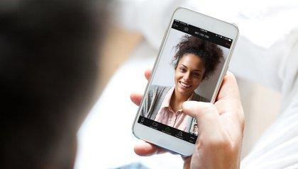 Hersteller verspricht Update - Die Videokonferenz-App Zoom übermittelt heimlich Nutzerdaten an Facebook