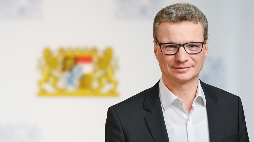 Bayerische Soforthilfe für Künstler/innen: Große Nachfrage, scharfe Kritik