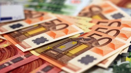 Hartz-IV oder Existenzgeld? - Warum gibt der Bund vorhandene Geldmittel nicht für solo-selbstständige Kulturschaffende frei?