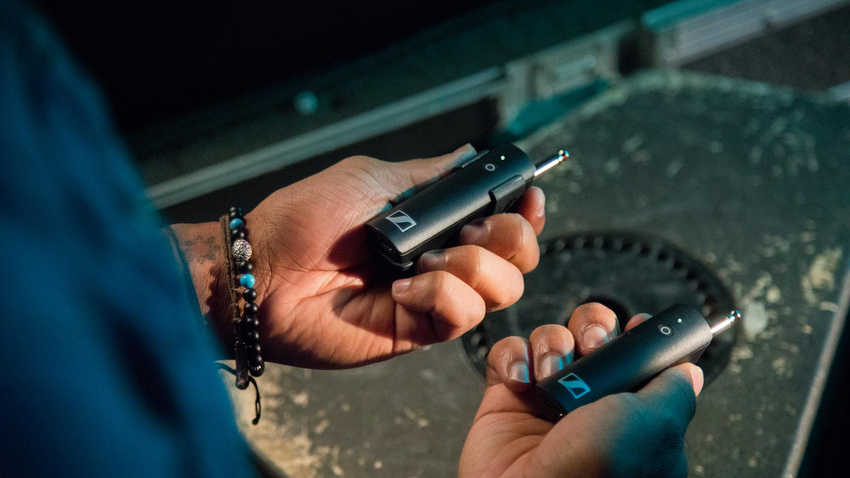 Instant Connection: Ein Tastendruck und das System ist bereit zur drahtlosen Audioübertragung.