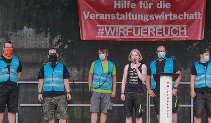 Klare Forderungen - #WirFürEuch: Veranstaltungswirtschaft demonstriert in Frankfurt